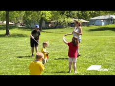 How to Make Giant Soap Bubbles: Simple recipe for homemade bubble solution that creates truly giant bubbles. Even small children can make huge bubbles with this solution. Giant Bubble Solution, Homemade Bubble Solution, Homemade Bubbles, Activities To Do, Summer Activities, Toddler Activities, Toys For Girls, Kids Toys, Giant Bubbles