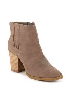 madden girl chelsea boot #fallfashion #fallstyle #boots #ankleboots #fashion #style #shoes