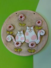 Cats + like + z + sugar + cotton wool + ceramic + picture + diameter + 15 + cm . - Cats + like + z + sugar + cotton wool + ceramic + picture + diameter + 15 + cm – ceramica – # - Pottery Sculpture, Sculpture Clay, Ceramic Clay, Ceramic Painting, Slab Pottery, Ceramic Pottery, Clay Magnets, Clay Cats, Pottery Animals