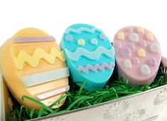 Easter Egg Soap Tutorial Using Soap Molds — Recipes & Tutorials Crafting Library