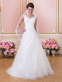 Brautkleider mit A-Linie | miss solution Brautkleider-Galerie - Modell 6024 by SWEETHEART GOWNS