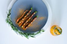 Belgian beef tartar, asparagus, carrot powder #aperitivomoment