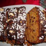 Dolce+natalizio+Vegan+con+cachi,+nocciole+e+gocce+di+cioccolato