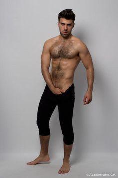 Hairy Guys & co. Cute Boy Photo, Man Photo, Sexy Gay Men, Le Male, Hommes Sexy, Bear Men, Raining Men, Hairy Chest, Moda Masculina
