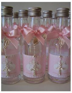 Christening or comunion Favor with crystal cross ⛪️ ➖ botella con agua bendita ideal para regalar en un bautizo! Christening Favors, Baptism Favors, Baby Baptism, Baptism Party, Baby Shower Favors, Baptism Ideas, Girl Christening, Communion Favors, First Holy Communion