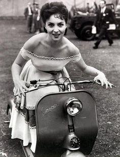 Italian actress Gina Lollobrigida, June 1952 #TuscanyAgriturismoGiratola