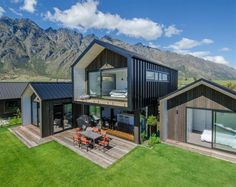 Looking for how to renovate shipping container into house, Shop, Garage or Workshop? Here are extensive shipping Container Houses Ideas for you! shipping container homes Modern Barn House, Modern House Design, Dream House Exterior, Facade House, Modern Architecture, Future House, Building A House, Building Design, House Plans
