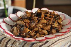 Salata de ciuperci de post,pentru toti iubitorii de ciuperci,gatite in fel si chip, printre care ma numar si eu :))  Ingrediente: – 1 kg. ciuperci champignon sau de padure – 2 cepe – 4-5 catei de usturoi – 1 lingura sos picantsau 1/2 gogosar – 6-7 linguri ulei – sare, piper – marar sau …