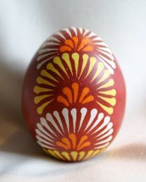 """These always look like fireworks to me; this pattern and several others are from the now defunct """"eggstrart"""" site Polish Easter, Egg Tree, Easter Egg Designs, Ukrainian Easter Eggs, About Easter, Easter Colors, Egg Decorating, Easter Crafts, Craft Projects"""