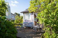 siirtolapuutarhamökki Nekala Garden Inspiration, Gazebo, Outdoor Structures, Kiosk, Pavilion, Cabana