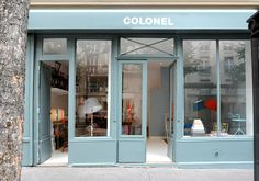 L'ingresso della boutique Colonel che Yann e Isabelle hanno aperto nel 2012. Si trova in 14 avenue Richerand a Parigi, non lontano dal Canal...