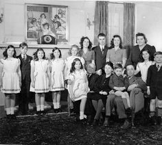 Olivia & Elzire Dionne and their entire family, 1944.