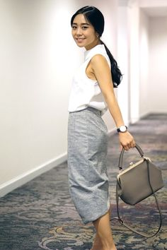 woman on skirt the ceiling wearing business casual and purse | Skirt The Ceiling | skirttheceiling.com