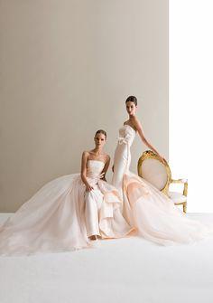 silhouette aderenti, dal colore #rosa antico, con gonne ampie  che si allacciano in vita per un #abito da vera .#principessa  Modello Antonio Riva