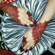 Modern and Attractive Red Mehndi Designs - Kurti Blouse Henna Designs Feet, Mehndi Designs 2018, Modern Mehndi Designs, Mehndi Designs For Girls, Mehndi Design Pictures, Bridal Henna Designs, Dulhan Mehndi Designs, Beautiful Mehndi Design, Arabic Mehndi Designs