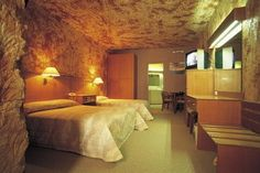 A vacation spent completely underground--Hotel Room located in the Opal Caves of Australia! Underground Hotel, Underground Living, Melbourne Australia, South Australia, Australia Trip, Coober Pedy Australia, Australian Desert, Cave Hotel, Around The World In 80 Days