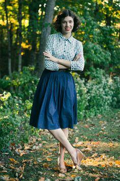 Lovely color scheme. - Outfit // Color My Life, modest outfit, modest vintage fashion, boden blouse, eshakti denim skirt, eshakti skirt, Chronically Vintage, retro, vintage style, 1940s style