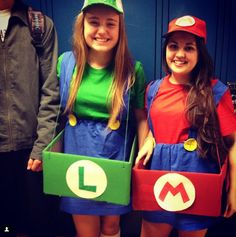 Mario and Luigi Best Friend Halloween Cosplay! These girls look so lovely! Disney Couple Costumes, Best Friend Halloween Costumes, Halloween Cosplay, Halloween Fun, Group Costumes, Cool Costumes, Costume Ideas, Luigi, Best Friend Costumes