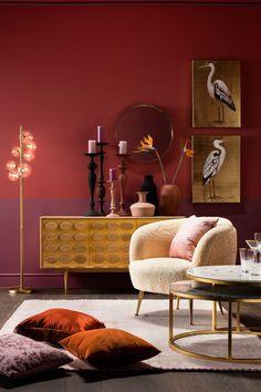 €1599 | Perugia Fur fauteuil, unieke en trendy fauteuil uit de meubel collectie van Kare Design. De eigenzinnige meubels van dit unieke woonmerk zijn echte blikvangers en geven karakter aan uw interieur! Afmeting: (hxbxd) 77x78x50 cm. Unique Mirrors, Round Mirrors, Retro Chic, New Furniture, Furniture Design, Narrow Rooms, Kare Design, Heron, Kuta