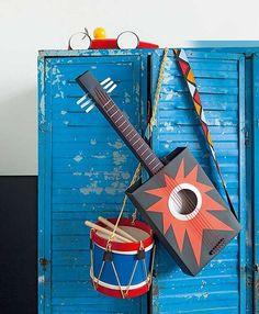 Een surprise maken? Wij hebben 12 toffe surprise ideeën voor je op een rij gezet. Wat vind je van deze gitaar?