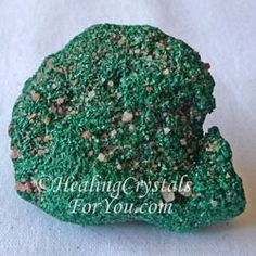 Atacamite The best way to use this stone is to meditate with it every day. You may find that even holding it in your hand you may make contact with the spiritual realm.