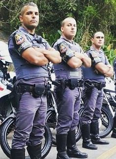 Hot Cops, Police Life, Men In Uniform, Police Officer, My Boyfriend, Handsome, Guys, Sailors, Men's Shirts