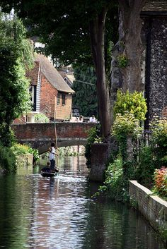 So Doon like...there's even a pizza tavern! ~River Stour, Canterbury,UK~