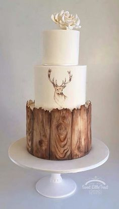 Simple wood design, with animal, for a cake