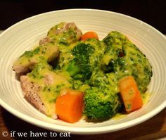 I love all-in-one meals in the Thermomix and this one is has quickly become a favourite in the various iterations of testing. Chicken and vegetables are steamed in the Varoma while the sauce cooks … Sauce Tomate Thermomix, Lchf, Bellini Recipe, Cooking Recipes, Healthy Recipes, Chili Recipes, Cooking Ideas, Asian Recipes, Free Recipes