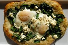 I'm not sure if I even want to eat eggs anymore as I have been considering going fully vegan, but I couldn't pass up these recipes just in case I change my mind. I Love Food, Good Food, Yummy Food, Tasty, Breakfast Time, Breakfast Recipes, Breakfast Pizza, Savory Breakfast, Breakfast Ideas