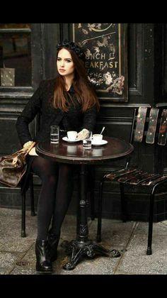 كيف لِي أن اكُون شعاع الشمس في صباحك الباكر، او على الأقل  قهوتِك المرّه ... او ريشتِك وترسمين بي الأمل في حياتِك .#