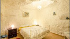 An eco-friendly B & B where the rooms are carved into the tufa, to discover the magic of the Ravines of Puglia and the Sassi of Matera  B&B Mater Domini – Green Bed & Breakfast in Laterza, Taranto, Puglia, IT