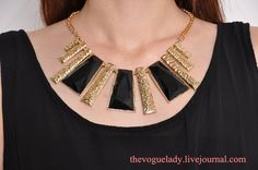 GOLD BIB NECKLACE S$19.90   from: The Vogue Lady
