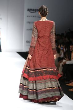 Shalini James' Indian by choice at the Amazon India Fashion week — in New Delhi, India. Gharara Designs, Kurta Designs, India Fashion Week, Lakme Fashion Week, Fashion Weeks, Diva Fashion, Couture Fashion, Indian Dresses, Indian Outfits