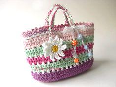 Free Crochet Bag Patterns Part 22 - Beautiful Crochet Patterns and Knitting Patterns Beau Crochet, Free Crochet Bag, Crochet Shell Stitch, Love Crochet, Beautiful Crochet, Knit Crochet, Crochet Bags, Crochet Handbags, Crochet Purses
