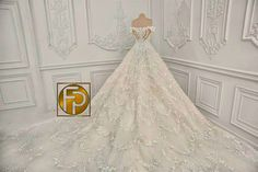 Fashion PULIS: First on Fashion PULIS: Marian Rivera in Her Michael Cinco Wedding Gown rivera wedding gown Luxury Wedding Dress, 2015 Wedding Dresses, Wedding Gowns, Marian Rivera Wedding Gown, Michael Cinco, Lace Sleeves, Bridal Gowns, Eye Shadows, Reference Images