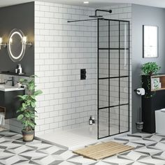 Mode black framed wet room glass panel with walk in shower tray 1600 x 800 and twin valve matt black shower set Shower Tray Sizes, Walk In Shower Tray, Walk In Shower Designs, Shower Set, Shower Ideas, Black Shower Tray, Shower Trays, Mixer Shower, Bathroom Ideas