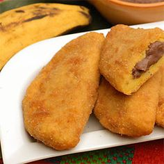 Plantain Turnovers, Caribbean Style - sweet filling with ripe plantains, spices, sugar, wrapped in dough and fried. Trinidad Recipes, Cuban Recipes, Jamaican Recipes, Indian Food Recipes, Rice Recipes, Dinner Recipes, Carribean Food, Caribbean Recipes, Comida Latina