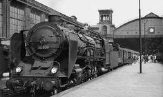 In Berlin Potsdamer Bahnhof steht eine 39er mit ihrem Zug bereit. Der Ausbau der Nord-Süd-S-Bahn und die dadurch verbesserten Anschlüsse an andere Berliner Fernbahnhöfe ließen die Bedeutung dieses Bahnhofs in den 30er-Jahren schwinden.Foto: Slg....