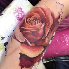 Its soo beautiful.think ive found my tattoo artist :) Time Tattoos, Body Art Tattoos, Sleeve Tattoos, Cool Tattoos, Tatoos, Butterfly With Flowers Tattoo, Flower Tattoos, Butterfly Tattoos, Magnolia Tattoo
