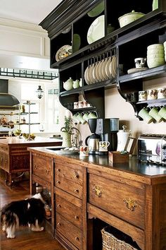 ✶ The black vintage elements don't block out light in this modern take on a traditional farmhouse design ✶