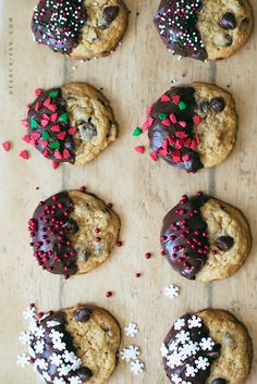 Chocolate Chip Christmas Cookies Schokoladenkekse aus Crissy Hall The post Chocolate Chip Weihnachtsplätzchen & Desserts & Sweets appeared first on Yorgo. Holiday Cookies, Holiday Treats, Christmas Treats, Holiday Recipes, Christmas Christmas, Christmas Chocolate Chip Cookies, Christmas Chocolates, Christmas Things, Holiday Baking