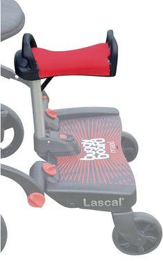 Installez l'assise Saddle de Lascal sur votre planche de poussette Buggy Board Maxi : votre petit-bout a désormais un petit siège pour s'asseoir à l'arrière de la poussette lors des grandes promenades. Pratique pour les enfants d'âges rapprochés !