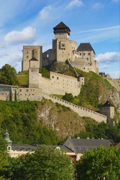 my hometown Trencin Castle Slovakia Bratislava, Beautiful Castles, Beautiful Buildings, Beautiful Places, Chateau Medieval, Medieval Castle, Places To Travel, Places To Visit, Castle Ruins