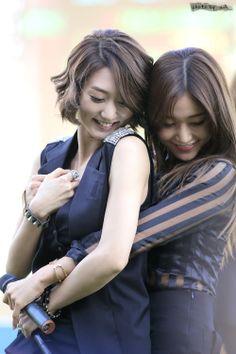 Nine Muses EunJi and SeRa