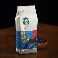 スターバックス ペルー (2015/07/15〜)◆ナッツの風味が印象的なバランスのとれたコーヒー◆ナッツ感あふれる風味が印象的で、ほどよいコクと酸味を感じる、バランスのとれたコーヒーです。ロースト感もしっかり感じることができる味わいなので、ミルクとの相性も、チョコレートとの相性もぴったりです。 http://www.starbucks.co.jp/beans/seasonal/4524785100114/