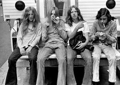 1970s smoking kids--hardly ever see kids just hanging out smoking like this any more.