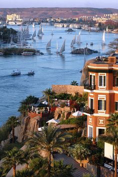 """Old Cataract Hotel. Aswan :egypt. To have an americano there, watch the """"felouques"""" dance gracefully on the Nile, and smile in your eyes...."""