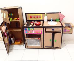 DIY kitchen set from cardboard