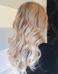 Blonde ombre hair, cool blonde hair colour, blonde hair for pale sk Blonde Ombre Hair, Blonde Hair Shades, Blonde Waves, Light Blonde Hair, Silver Blonde, Ombre Hair Color, Ash Blonde, Bronde Hair, Short Blonde
